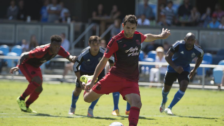 Valeri estrelló su penal en el travesaño y Portland no pasó del empate.