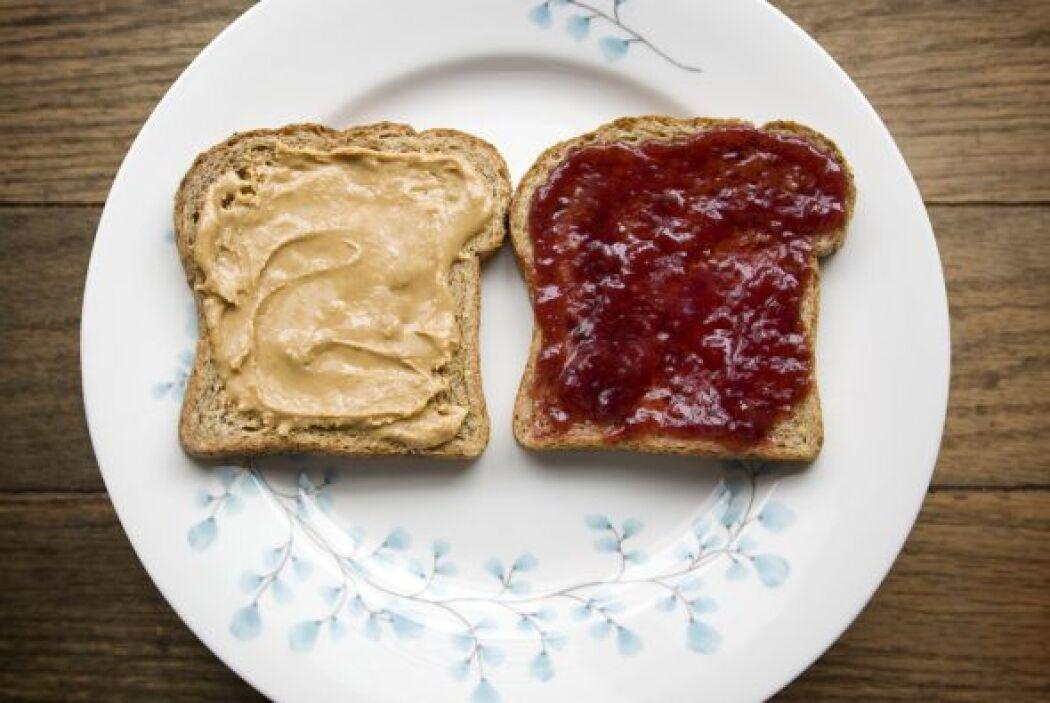 Pan con mermelada baja en grasas Al igual que con la mantequilla de maní...