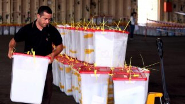 Tras la histórica jornada electoral celebrada el sábado en Libia, la pri...