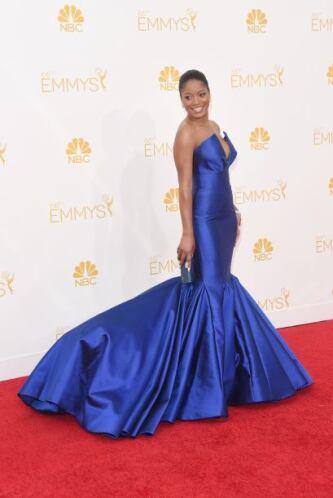 Keke Palmer y otras famosos pusieron el azul como tendencia. Fue vestida...