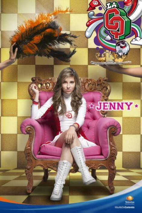 Jennifer Pinto es la hija del director de la CQ. Capitana de porristas,...