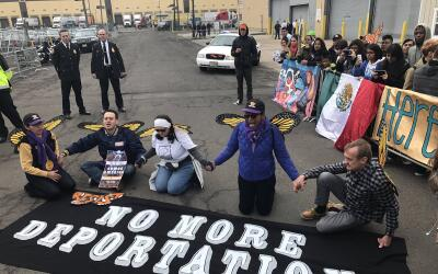 Estos son los cinco manifestantes arrestados este jueves frente al centr...