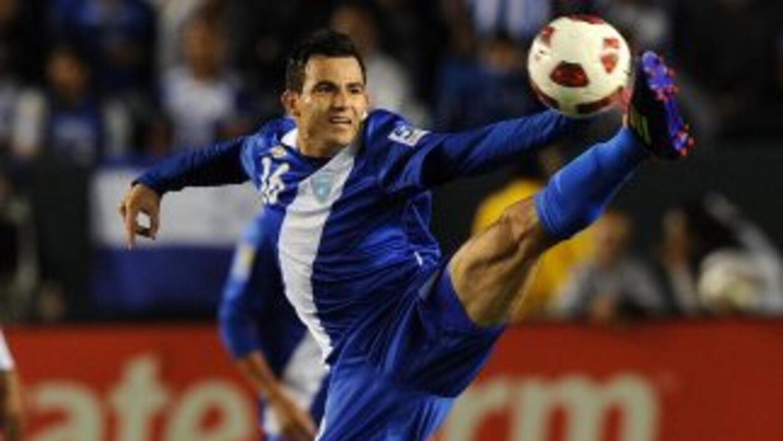 Marco Pappa pudo marcardiferencias pero falló de cara al gol.