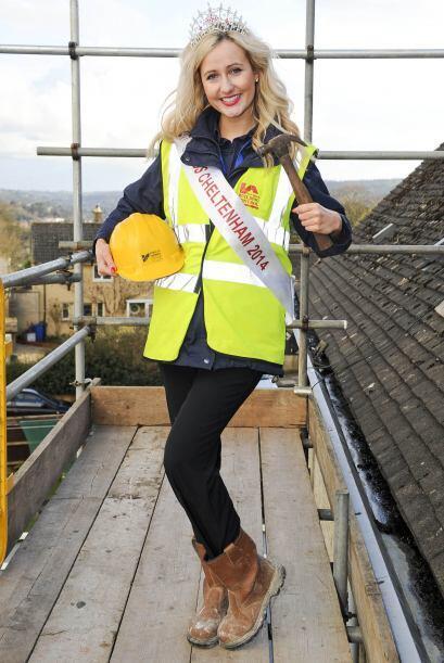 Es por eso que se desempeña como inspectora de construcció...