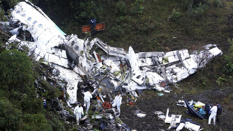 Avión que se estrelló en Colombia causando la muerte de 71 ocupantes hab...