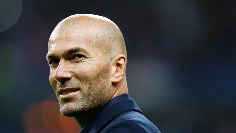 'Zizou' habría aceptado dirigir al Real Madrid desde esta temporada.