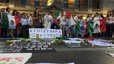 Protestas por la desaparición de los 43 estudiantes llegan a la Cumbre d...