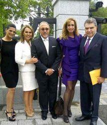 Parte del grupo de hispanos influyentes que se reunión con el Presidente...