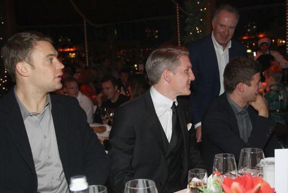 Los jugadores y cuerpo técnico del Bayern Múnich, comienza...