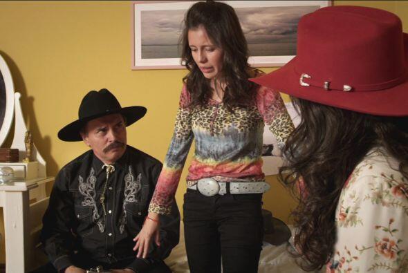 Mientras tanto, Perla Alhelí le dijo a Procopio y a Doña Olegaria que es...