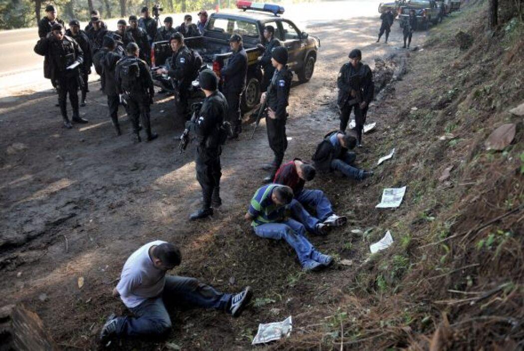 'Los Zetas' y 'El cártel' del Golfo' protagonizan una cruenta batalla po...