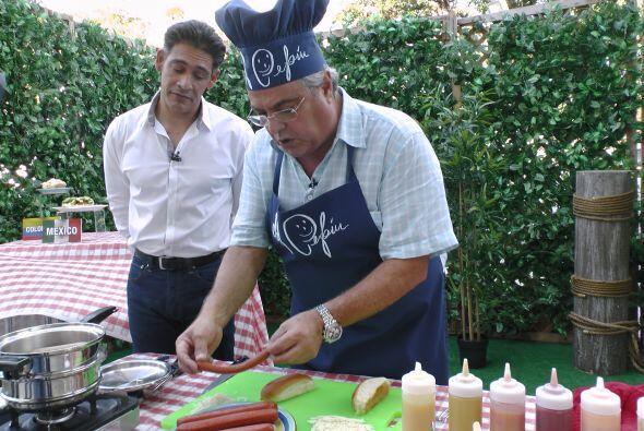 El Chef Pepín preparó esta mañana unos deliciosos hot dogs.