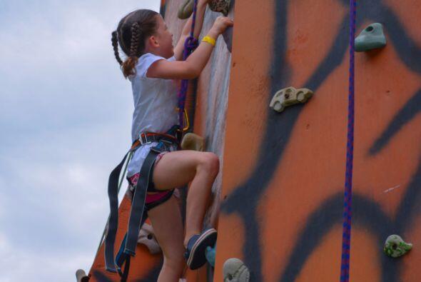 Determinación: Niños y jóvenes a diario se lanzan a...
