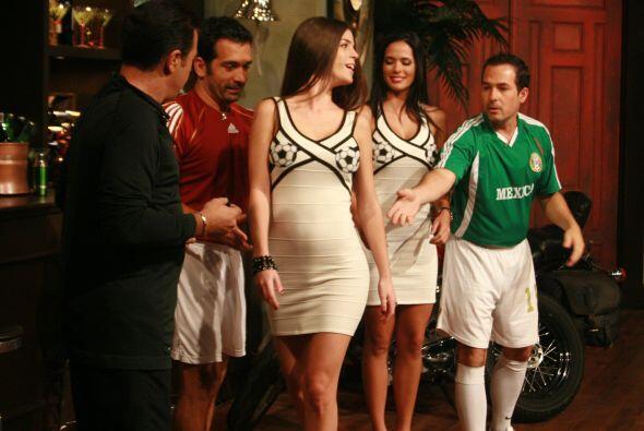 Uno de los primeros atuendos que lucieron fue el de fútbol, en el...