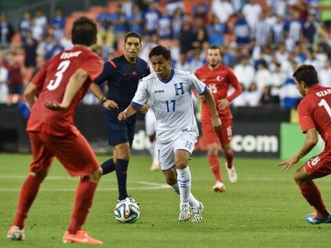 Honduras se estrelló ante un equipo con buen oficio como Turquía y exhib...