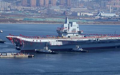 Imágenes del primer portaaviones fabricado enteramente en China