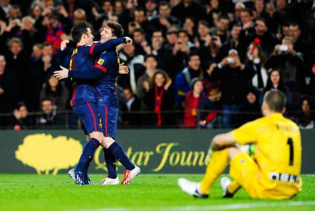 Y cayó el gol de Messi, a quien Villa le pagó la cortesía asistiéndole p...