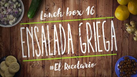 Ensalada griega + crackers (Día 16) - 23 ideas para lunch boxes #ElRecet...