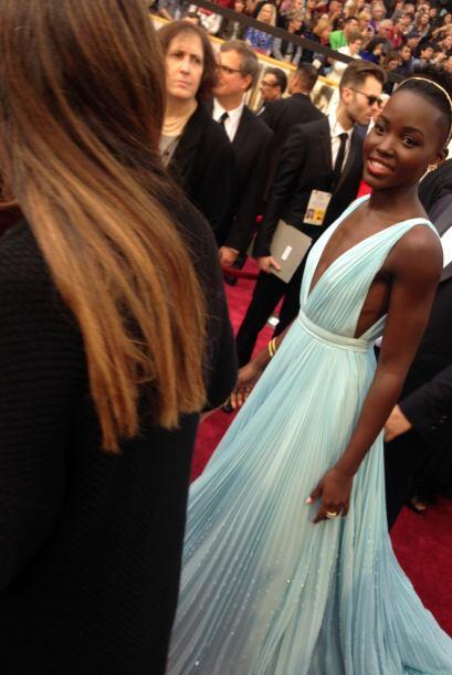 Y la ganadora de la noche, Lupita Nyong'o, no pasó desapercibida.
