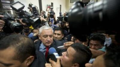 Otto Pérez Molina llega al tribunal.