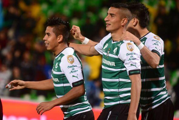 Santos calificó de panzazo pero apenas 4 puntos debajo de Tigres y con u...