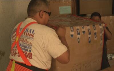 Envío de encomiendas a El Salvador afectado por atrasos en las aduanas d...