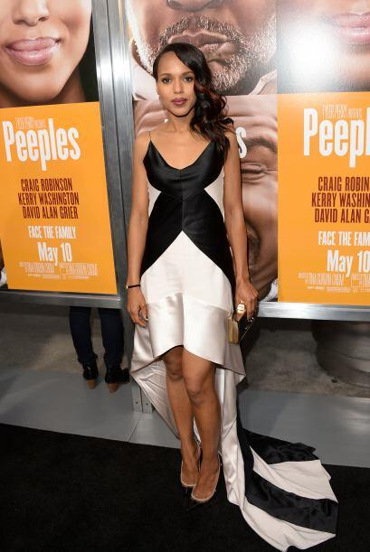 Kerry Washington se veía fabulosa con esta doble combinación.