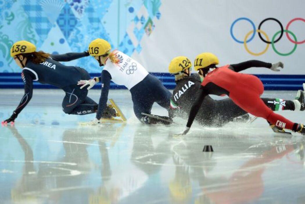 Era la única final de la jornada de patinaje en pista corta, la china Ji...