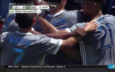 Cabezazo de Dempsey adelanta a Sounders en casa del Galaxy