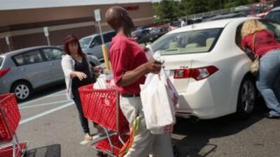 Los consumidores prefieren no gastar y cuidar sus bolsillos.