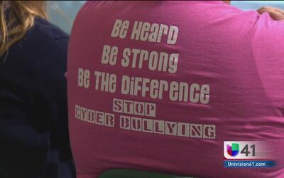 Una escuela en San Antonio busca acabar con el 'cyberbullying'