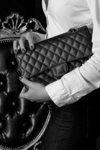 """Una cartera Chanel""- Sandry Vega Morales."