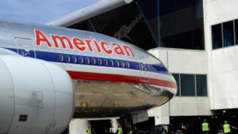 Los familiares de un viajero de American  Airlines han  demandado a la a...