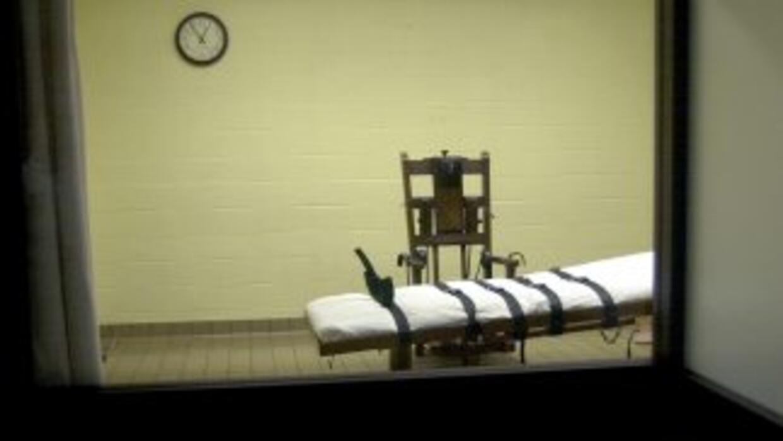 Una vista de la cámara de la muerte desde la sala de testigos.