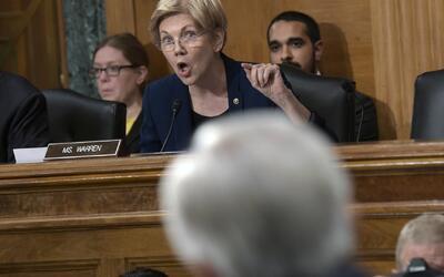 La senadora Warren encara al CEO de Wells Fargo: ¿Usted ha dimitido, ha...