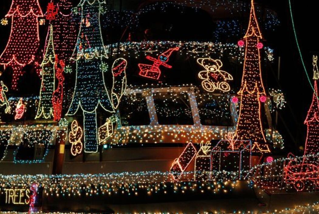 Un vistazo de cerca confirma todo el trabajo de luces que lleva decorar...