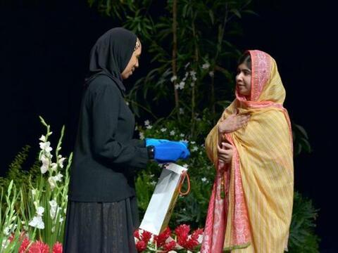 La activista paquistaní Malala Yousafzai, recibió una pren...