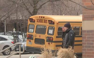 Un hombre ingresó a la primaria Ogden y agredió a varios pequeños