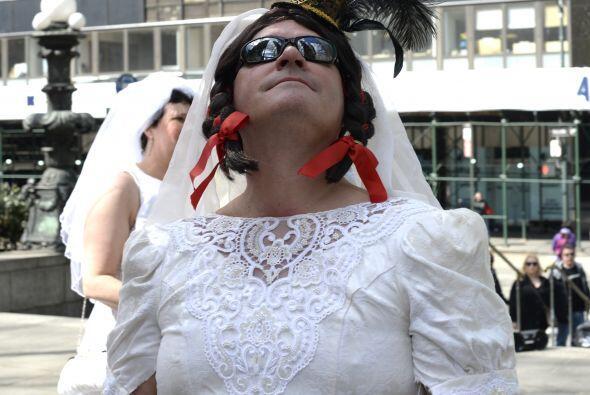 Las novias de marzo se inició en 1999 como un evento Cacophony So...
