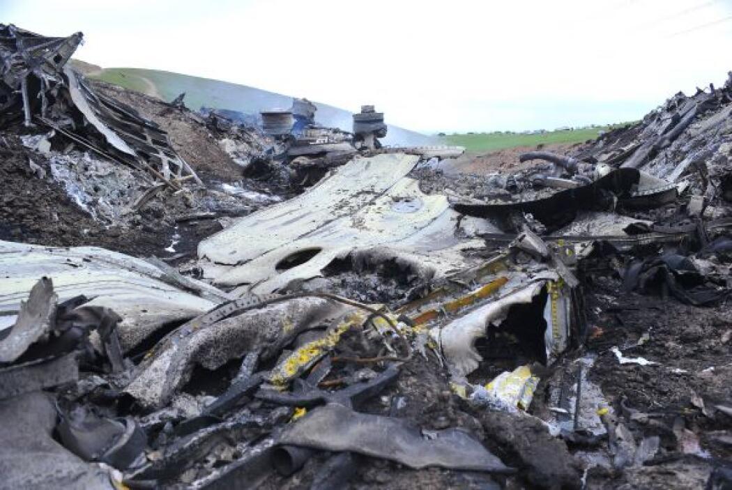 Notimex recuerda que el KC-135 se estrelló después de haber despegado de...