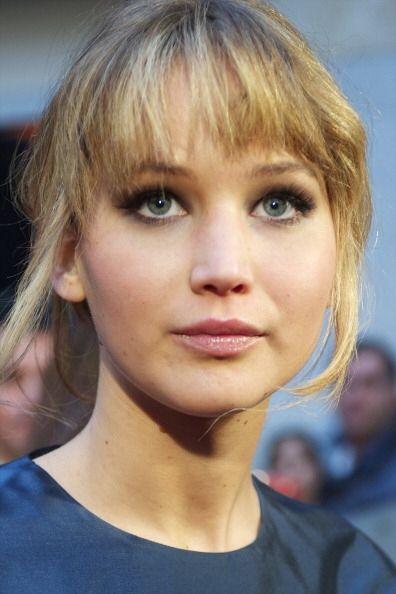 Están de acuerdo en que ¿Jennifer Lawrence aparenta menos edad cuando tr...
