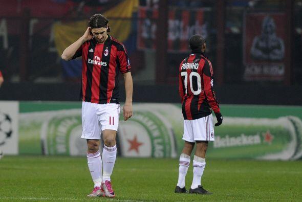 El Milan, pese a que clasificó, no entendía cómo fu...
