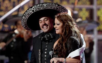 """Todavía hay quienes recuerdan cuando Jenni Rivera cantaba """"q..."""