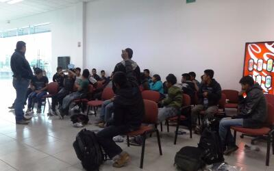 El grupo de migrantes fue puestoa disposición del Instituto Nacio...