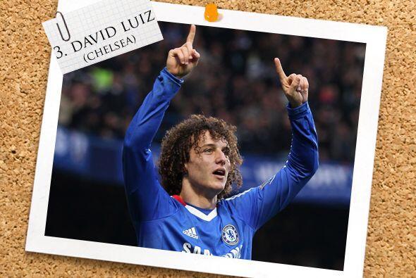 Otro zaguero goleador, y también 'garoto', es David Luiz del Chelsea.