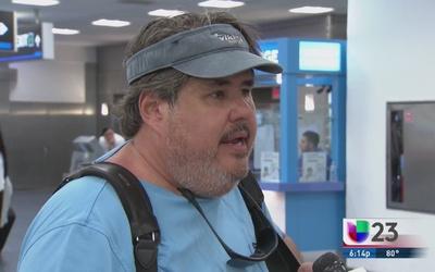 Empresario de Miami viaja a Costa Rica para ayudar a cubanos
