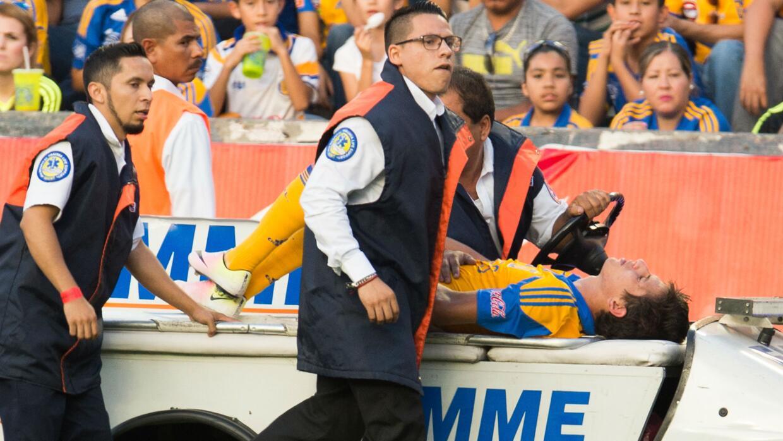 El volante de Tigres se lesionó la rodilla en el partido ante Ver...
