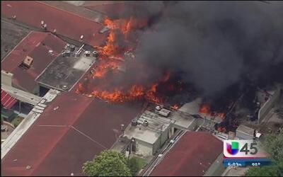 Confusión y desorganización en fatal incendio
