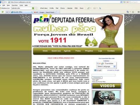 """Para deleite de los caballeros brasileños, la exuberante """"Mulher Pera"""" t..."""