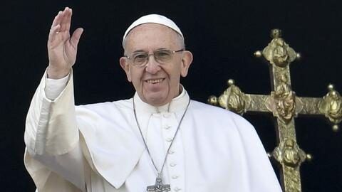 Papa Francisco pidió en la Plaza de San Pedro por víctimas de la guerra